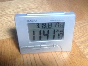 時間にうるさい奴はデジタル時計だよな!