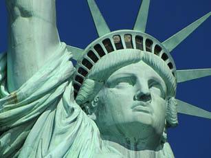 ピース綾部にアメリカ就労ビザ取得は無理、ニューヨークには留学すれば?